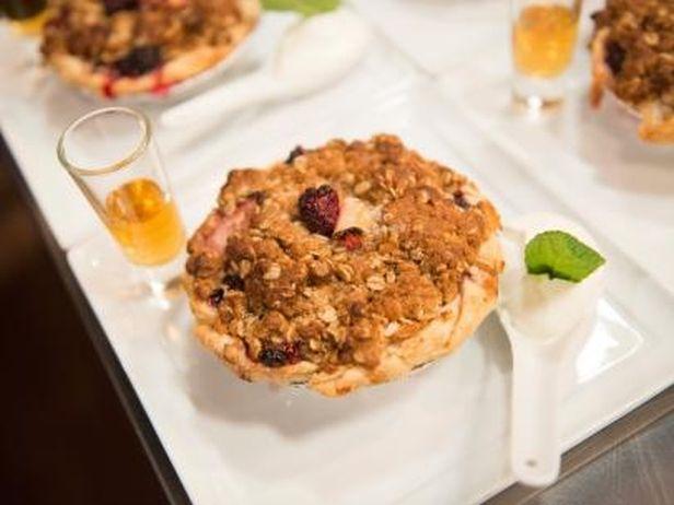Torta de Morango, Amora e Ruibarbo - Food Network