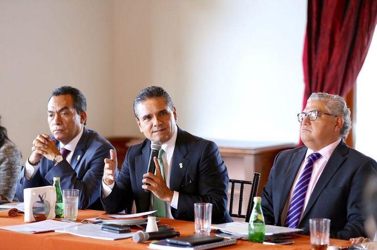 La intención es que sean considerados dentro del Presupuesto de Egresos de la Federación 2017; se contemplan para Michoacán un total de 35 obras de infraestructura y programas sociales que ...
