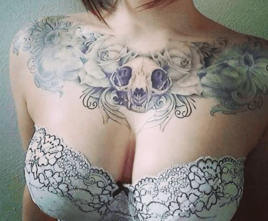 die besten 25 female chest tattoo ideen auf pinterest brust eulen tattoo henna brust und. Black Bedroom Furniture Sets. Home Design Ideas