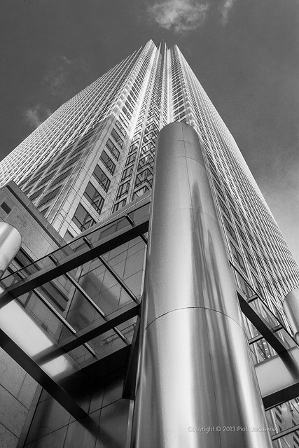 One Canada Square - 235m (771 ft) Canary Wharf, London #bw @blackwhitepins