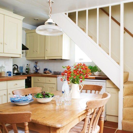 1000+ Ideas About Small Cottage Kitchen On Pinterest