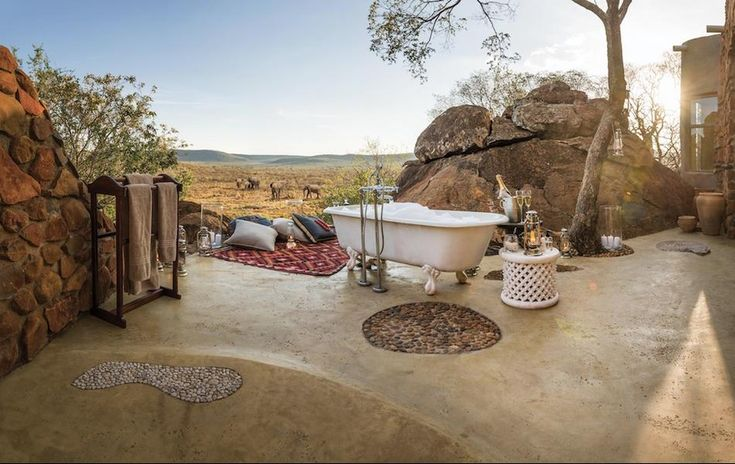 Outdoor Bathroom - Honeymoon Suite, Madikwe Hills Private Game Lodge, South Africa