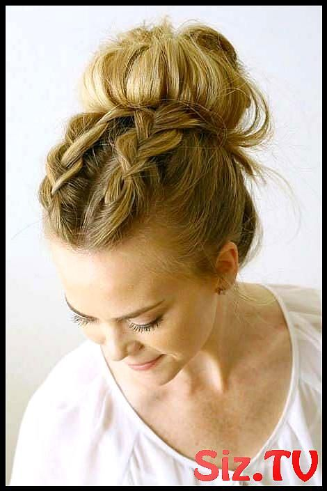 Messy Buns That Ll Still Have You Looking Polished Messy Buns That Ll Still Have You Looking Polished Master Of The Undone Done Look Double Dutch Brai...