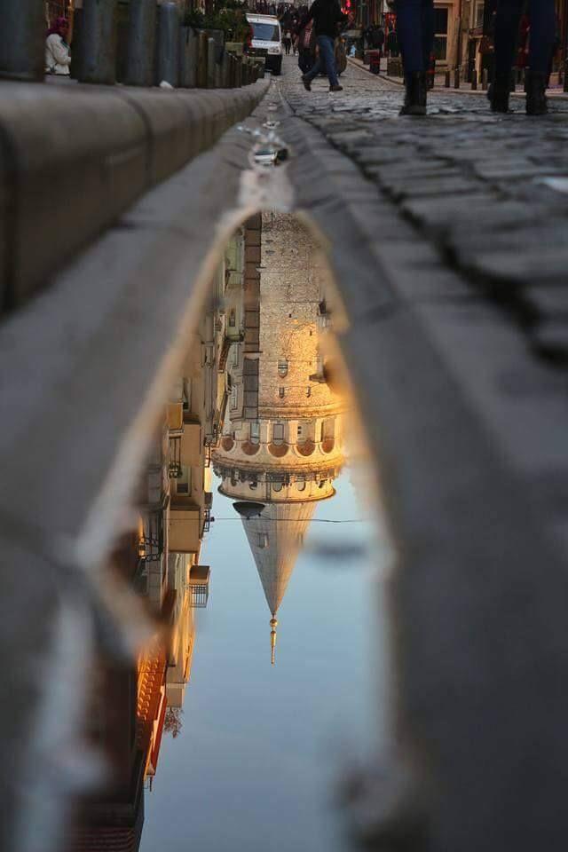 İstanbul'un Simgesi © Orhan Aktürk (Kaynak: Facebook - Photography TÜRKİYE) #turkey #türkiye #istanbul #galatatower #galatakulesi #reflection #yansıma