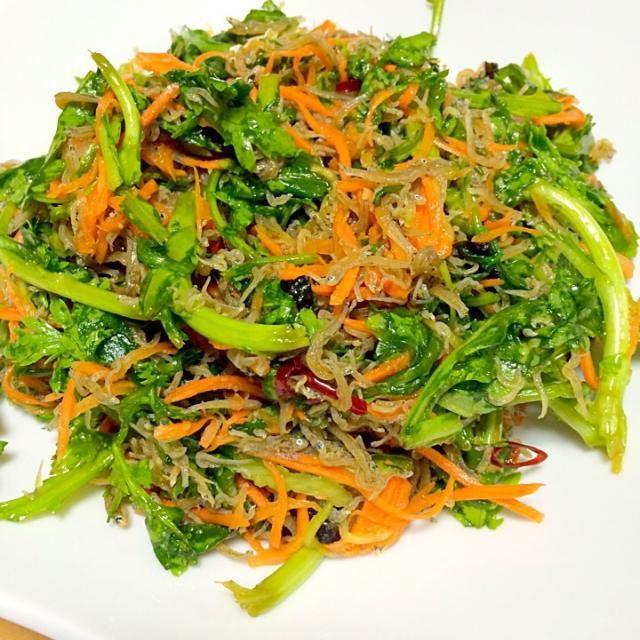 人参、ちりめんじゃこ、韓国のり ゴマ油、赤唐辛子で作りました。 - 10件のもぐもぐ - 春菊のサラダ by daimamapi727