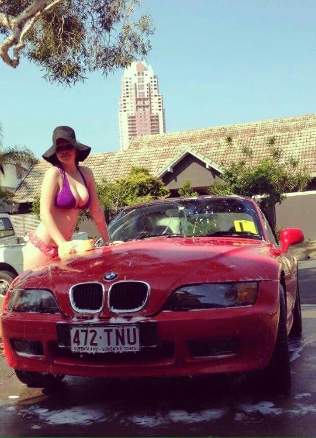 Blue Bmw Z3 And Naked Girl