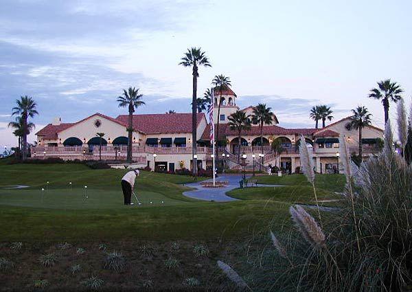 Copper River Country Club In Fresno California For An Outdoor Wedding Venue