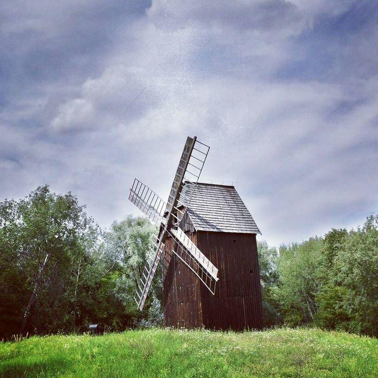 Wiatrak w Muzeum Wsi Opolskiej - polecam to miejsce w upalne dni!  Więcej na blogu - link w opisie  #wiatrak #windmill #sun #holiday #wakacje