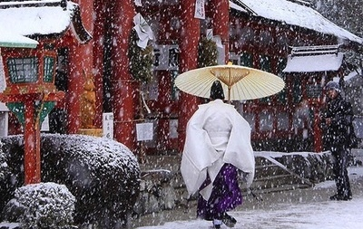 神社見るだけで、癒されますね 日本人は、やっぱり神社ですね  教会やお寺見ても何も感じないけど  神社のものには癒されます