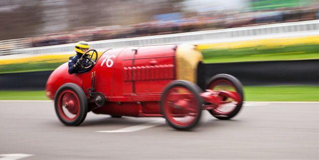 L'antico corridore Fiat è un piacere sfrenato per la folla |  Stefan Marojam