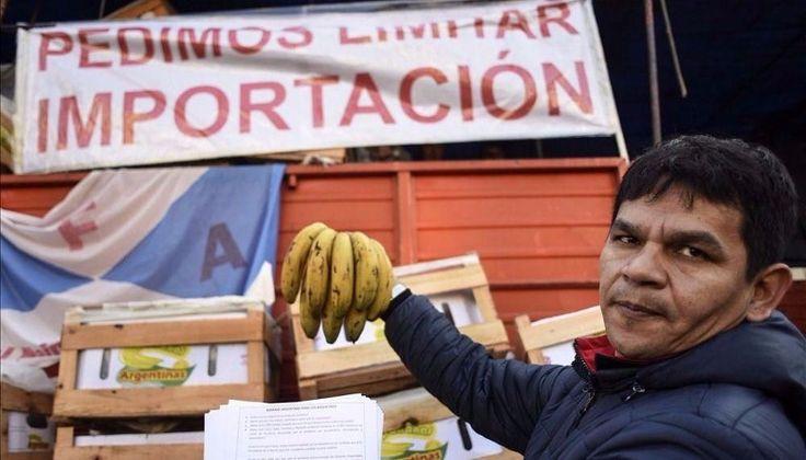 """El """"bananazo"""" oranense también se hizo sentir en Buenos Aires: Productores locales calificaron de """"éxito total"""" a la singular protesta que…"""