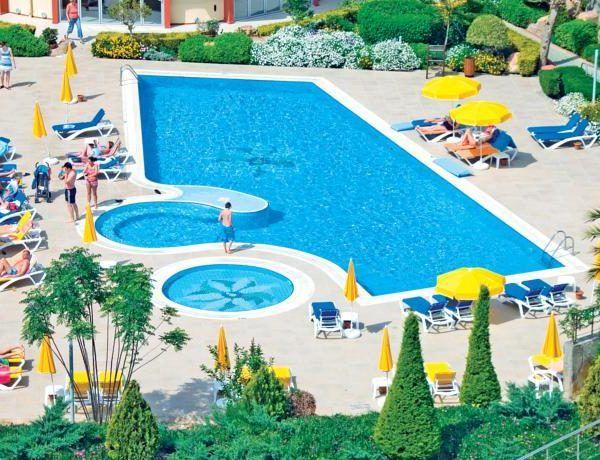 Отель Alaiye Resort & Spa расположен в 105 км от аэропорта Анталии, 22 км от Аланьи. Комплекс состоит из 3 зданий. Количество номеров в отеле Alaiye Resort & Spa: 443 номера.  В номерах: ванная комната с феном, телефон, радио, ТВ с русским каналом, кондиционер, мини-бар, сейф, балкон. Уборка номера – ежедневно. Смена белья – 2 раза в неделю. Позавтракать можно на террасе.http://www.bontravel.com.ua/tours/hotel-alaiye-resort-spa-avsallar-turciya/  #турция