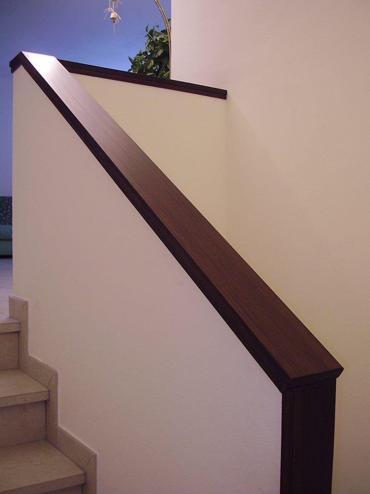 Copertura in legno massello di muretto di scale interne - Copertura scale interne ...