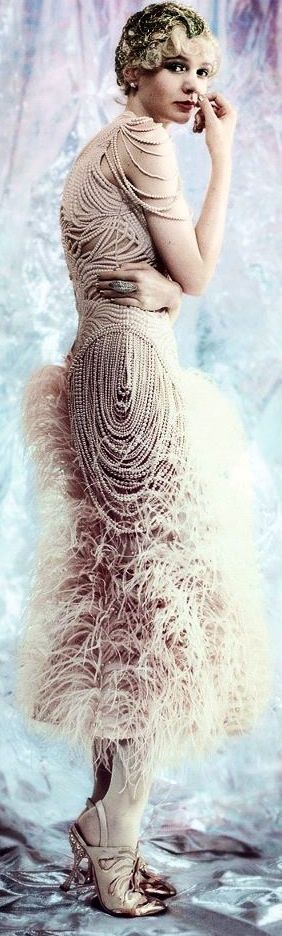 Textures: pearls and feathers/ hard and soft...Alexander McQueen | The House of Beccaria#