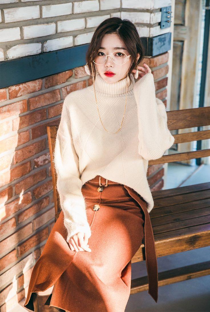 Diamond Pattern High Neck Sweater CHLO.D.MANON   #beige #knit #sweater #koreanfashion #kstyle #kfashion #dailylook #wintertrend