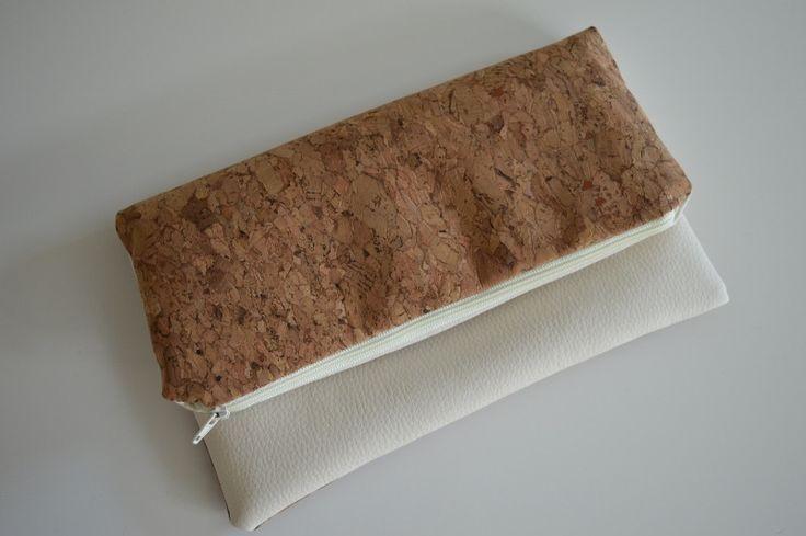 Clutches - Clutch aus Korkstoff und Kunstleder in Hellbeige - ein Designerstück von MyMaryandMe bei DaWanda
