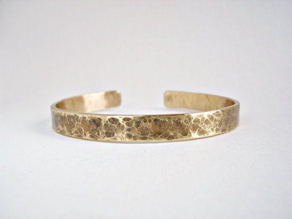 bracelet jonc plat pour homme laiton martelé par elisaboutique, €25.00