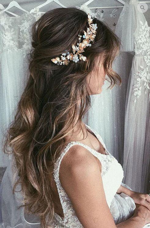 Frisur; Brautfrisur; Hochzeit; Verstreute Frisur; lange Haare; Half Up Ha ... - #Braut #ha #Haar #Frisur #Lang