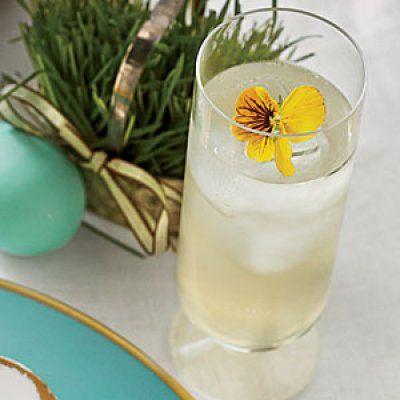 Summer Drink Recipes: Sparkling Elderflower Lemonade