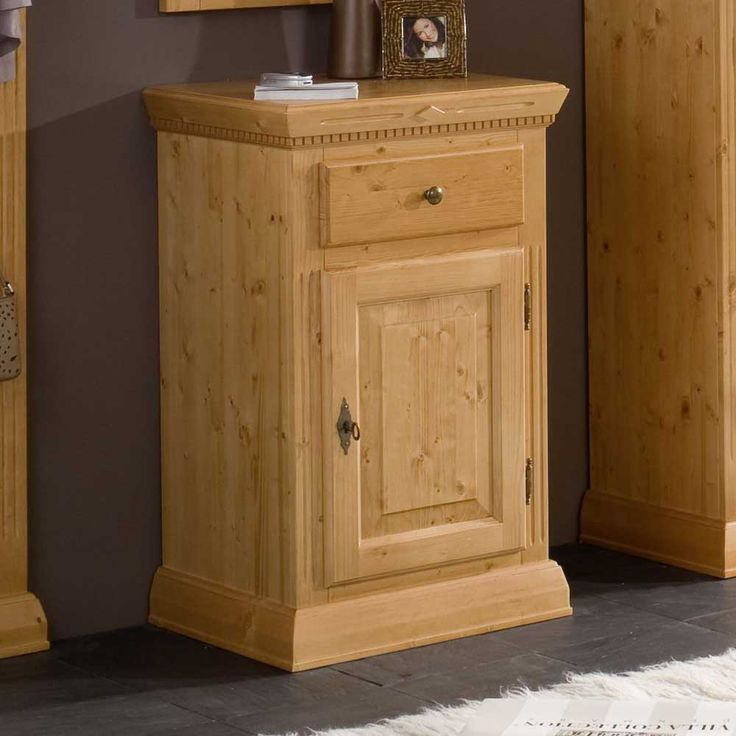 25 kleine kommode pinterest badezimmer kommode schubladenkommode kommode. Black Bedroom Furniture Sets. Home Design Ideas