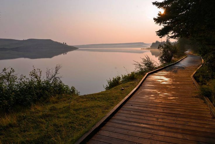 The trail was calling me. #abparks #explorealberta #abparksambassador #cypresshillsprovincialpark #trailtime #hikerchat #elkwater #sunset #lifeinalberta #followyourfeet #stepoutwithKEEN #mystormy #terramartribe #toqueandcanoe #hike365  #albertaadventuregirls #outdoorfamilies #outdoorwomen #trekarooing #boardwalk #radgirlslife #activeforlife #goodnight #TBT #canadiancollective  #throwbackthursday