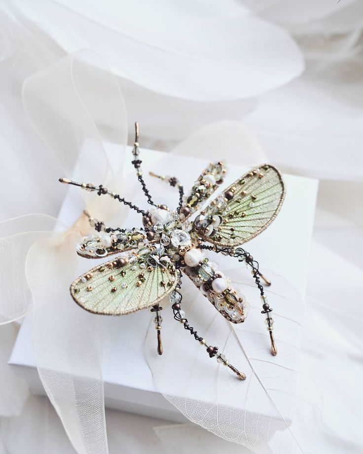 1,020 отметок «Нравится», 24 комментариев — Agija Rezcova (@agija_rezcova) в Instagram: «#insect #brooch»