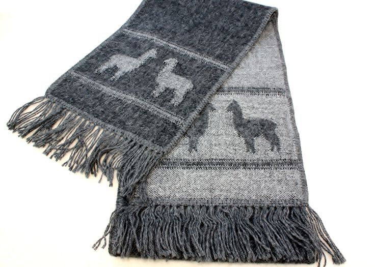 These beautiful alpaca design scarves are made out of an alpaca fiber blend. This gives you a top quality product with softness and allergen free properties. Quality guaranteed and very pleasing look.