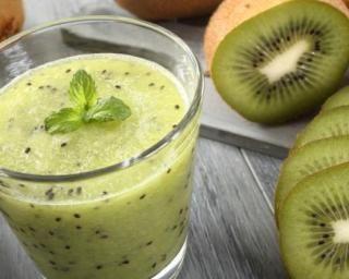 Smoothie vitaminé menthe-kiwi
