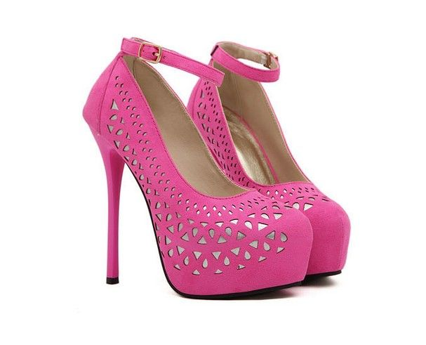 So cute! I wish I had somewhere I could wear these! (and that I could actually walk in them!)