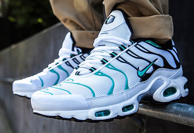 """In recent times, Footlocker Australia has been able to secure a very exclusive range of the Nike Air Max Plus. Last month they debuted the well received """"Tide"""" colorway and continue in that trend today with the """"Emerald"""" option. Bearing … Continue reading →"""