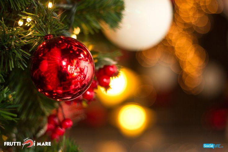 Το Frutti di Mare, σας εύχεται Χρόνια Πολλά, και Ευτυχισμένο το 2018! Σας ευχόμαστε η νέα χρονιά να είναι γεμάτη όμορφες στιγμές, με τα αγαπημένα σας πρόσωπα! Σας περιμένουμε, όπως πάντα, στον πεζόδρομο Κομνηνών, με τα πιο ευφάνταστα πιάτα θαλασσινών!