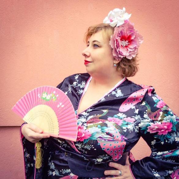 Ob Karneval oder Fasching: Plussize Geisha | Miss Kittenheel Kimono Curvy PinUp