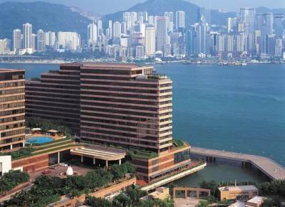 ✔ Giá từ: 8,206,000 VNĐ __________  ★ Số sao: 5 _____________________  ☚ Vị trí: Salisbury Road, Tsim Sha Tsu  ❖ Tên khách sạn: InterContinental Hong Kong __________________________  ∞ Link khách sạn: http://www.ivivu.com/vi/hotels/intercontinental-hong-kong-W45415/  ∞ Danh sách khách sạn ở Kowloon: http://www.ivivu.com/vi/hotels/chau-a/hong-kong/kowloon/all/995/