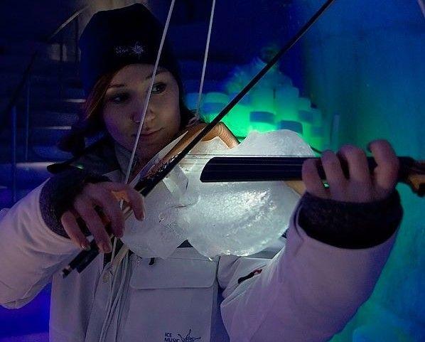 Morate poslušati ovaj bend koji svira na instrumentima napravljenim od leda