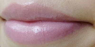 Eye Heart reviews MANIC PANIC High Voltage Lip Gloss in Naked