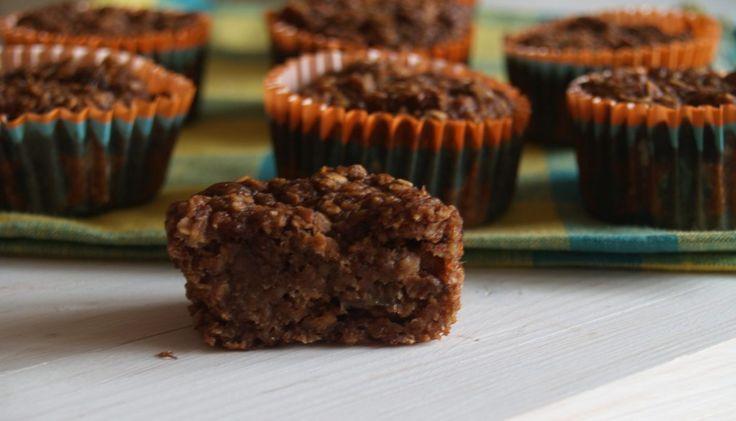 Een heerlijke muffin met appelmoes. Hij is super gezond als tussendoortje of als ontbijt. Varieer lekker met noten en/of pitten. Echt super lekker!!