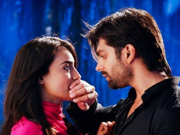 Zoya trying to stop Asad Marrying Tanveer in the Serial Qubool Hai   BollyDon.Com