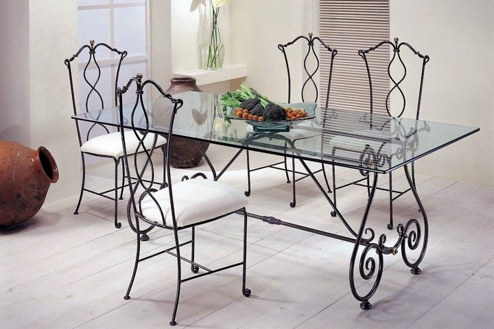 This Delicate And Intricate Diy Wrought Iron Dining Table Will Surely Make Your Guests Envious Of Your Metal Dining Room Wrought Iron Furniture Iron Furniture