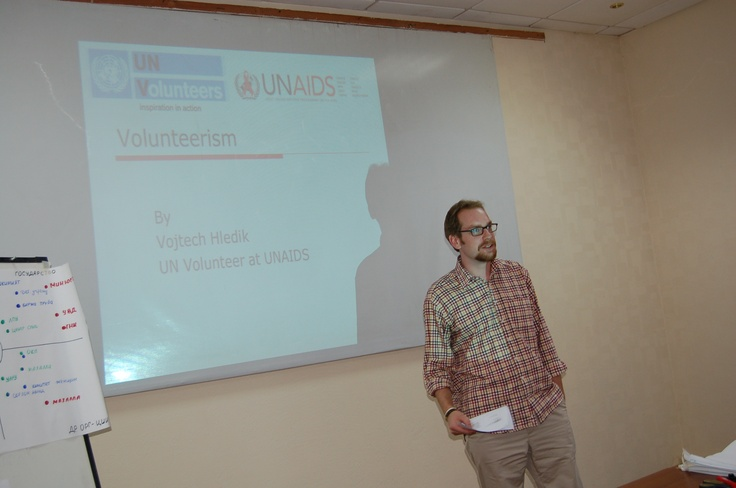 Vojtech Hledik (26), UNV Intern at the UNAIDS Country Office in Uzbekistan, during his presentation on volunteerism. (Photo: UNV, 2012) To read more about what he does, please visit http://www.unv.org/en/perspectives/doc/my-first-opportunity-to.html