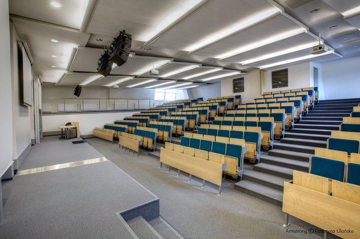 Wydzial Biologii Uniwersytetu Gdańskiego, Armstrong, sufity podwieszane, sufit akustyczny, acoustic, ceiling, Ultima, Axiom Canopy