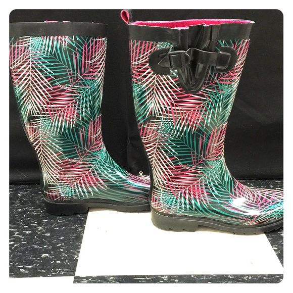 Stylish Rain Boots ☁️ Very cute & in very good condition Shoes Winter & Rain Boots