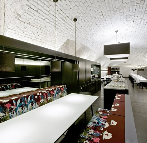 Contemporary Viennese restaurant interior design ideas