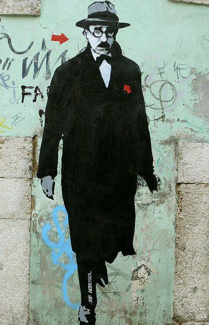 street art by Jef Aérosol - Lisbon, August 2007 - Fernando Pessoa