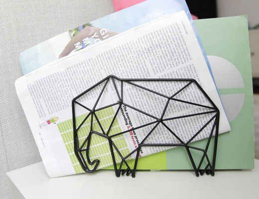 Click for more cute elephant stuff! This modern folder organizer!