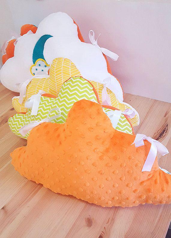 1000 id es sur le th me tour de lit coussin sur pinterest tour de lit b b gigoteuse et. Black Bedroom Furniture Sets. Home Design Ideas