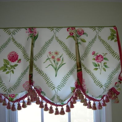 Floral Balloon Valance With Trim