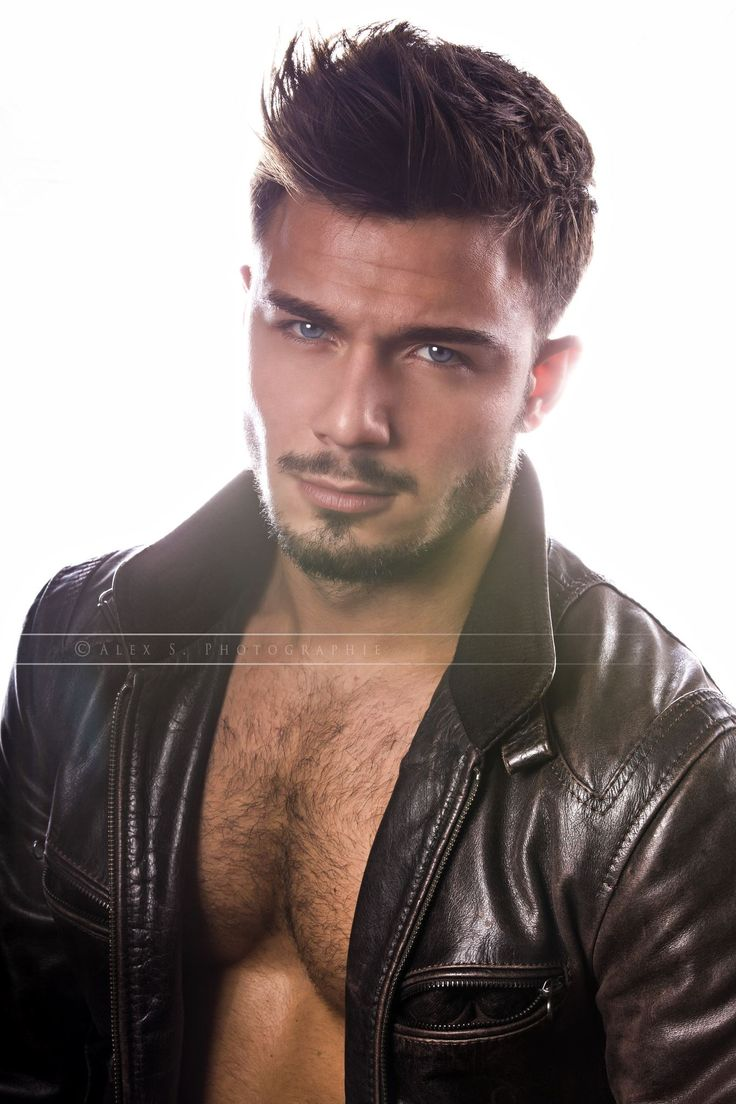 Muškarac dana - Page 2 4c4c141a6da010af23f09789947ccdf7--hairy-chest-sexy-men