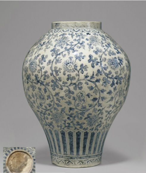 (Korea) A rare and important Blue & White Porcelain Jar, Joseon Kingdom, Korea. ca 18th century CE.