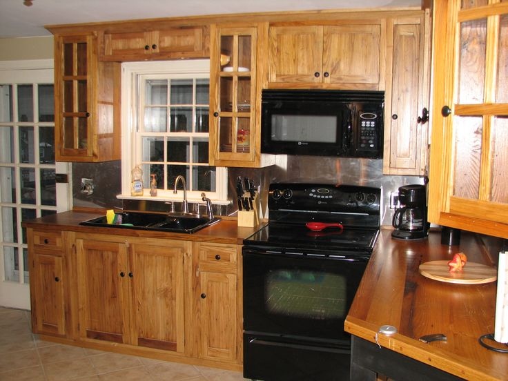 Custom reclaimed barn wood kitchen cabinetry and islands for Amish kitchen cabinets lancaster pa