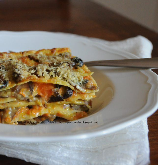 Lasagne with pumpkin and mushrooms